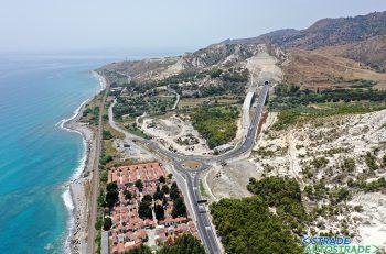 La lunga strada per raggiungere la variante all'abitato di Palizzi