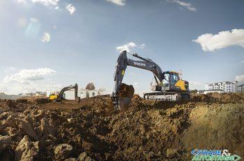 L'escavatore cingolato EC200E