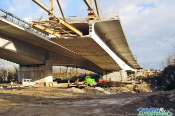 Prestressed concrete balanced cantilever bridge assessment