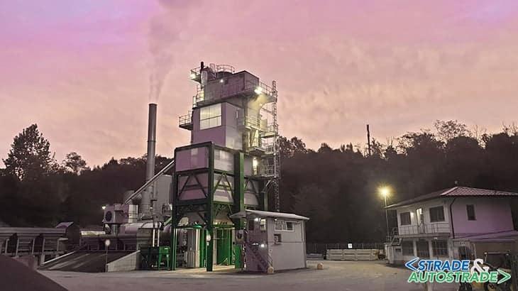 L'impianto dello stabilimento di Cantù al tramonto
